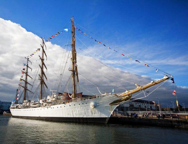 la fragata argentina libertad