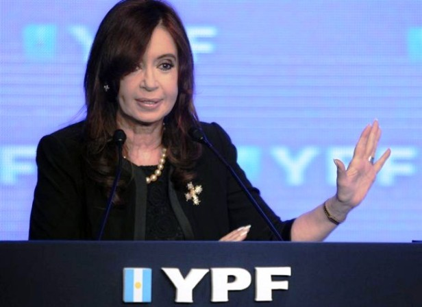Cristina-Fernandez-YPF