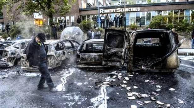 """No sólo coches, contenedores o edificios. Al despiadado sistema es al que hay que prender fuego. Aunque nos llamen """"terroristas"""""""