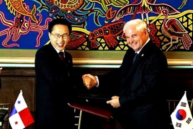 El bufón panameño se entiende mucho mejor con el mequetrefe régimen surcoreano