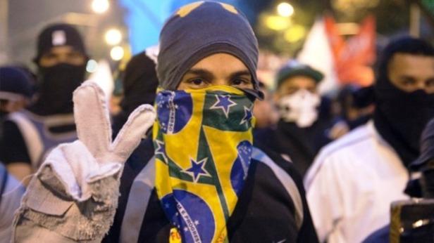 manifestante-brasil