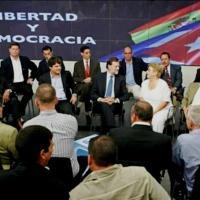 MARIANITO RAJOY PONE VERDE A CUBA EN PÚBLICO, PERO BIEN QUE LA HA VISITADO EN PRIVADO