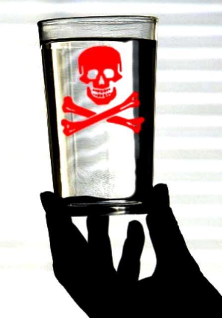 agua envenenada